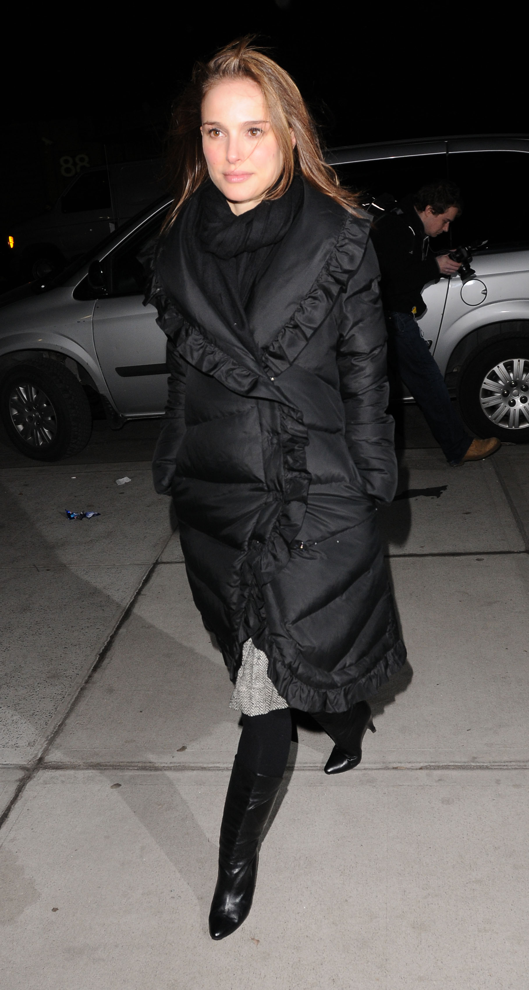 Natalie Portman In Black Down Coat Shiny Nylon