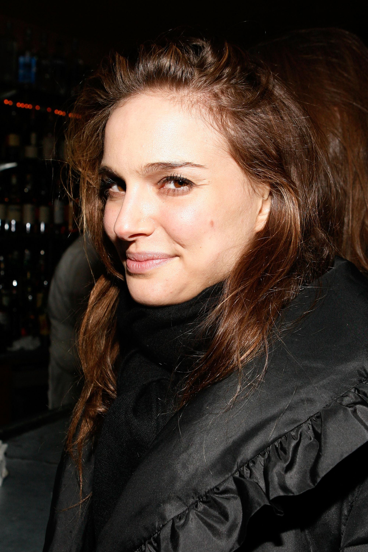 Natalie Portman in bla... Natalie Portman