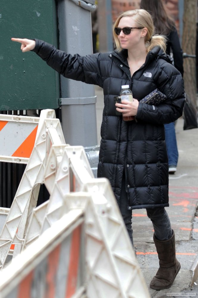 "Amanda Seyfried in black The North Face ""Metropolis"" down coat and brown  UGG boots - North Face Search Results SHINY NYLON Page 7"