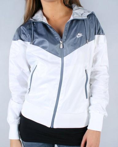 """a8995ffbff4c White and grey Nike """"Windrunner"""" rain jacket"""